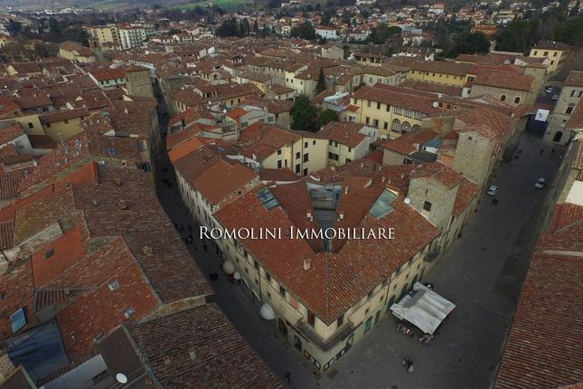 3 bed apartment for sale in Sansepolcro, Tuscany, Italy