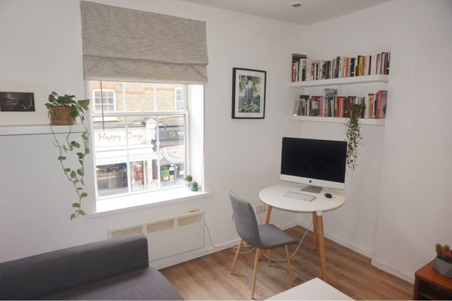 Lounge of 39 Goulston Street, London E1