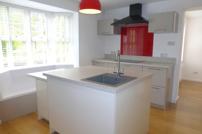 Thumbnail Property to rent in Knights Crescent, Exeter