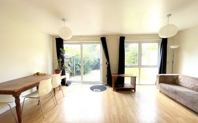 2 bed property to rent in Scylla Road, Peckham, London SE15