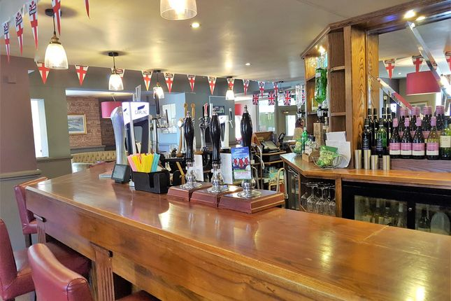 Pub/bar for sale in Licenced Trade, Pubs & Clubs BD9, Frizinghall, West Yorkshire