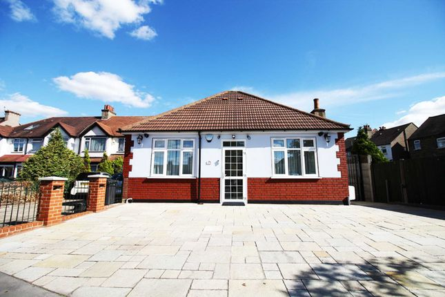 Thumbnail Bungalow for sale in Lodge Road, Croydon