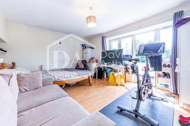 Thumbnail Flat to rent in Carnegie Street, Islington, London