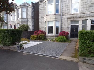 Thumbnail Flat to rent in Hamilton Place, Aberdeen