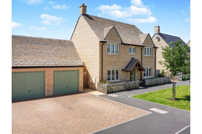 Detached house for sale in Nightingale Way - South Cerney, Cirencester