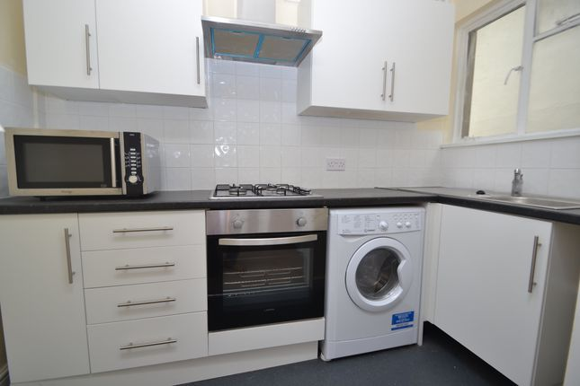 Thumbnail Flat to rent in Wellfield Road, Roath, Cardiff
