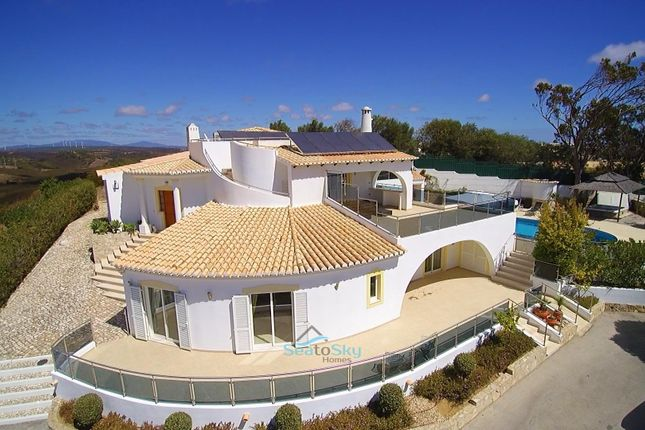 Thumbnail Villa for sale in Budens, Algarve, Portugal