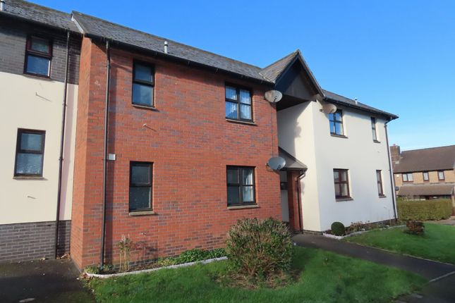 1 bed flat to rent in Hollowtree Court, Barnstaple EX32