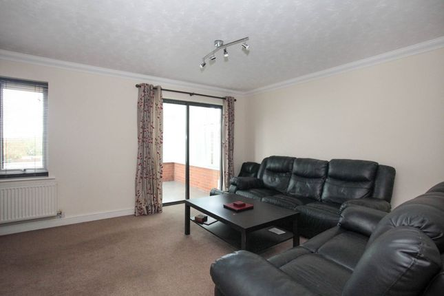 Lounge of The Belfry, Luton LU2