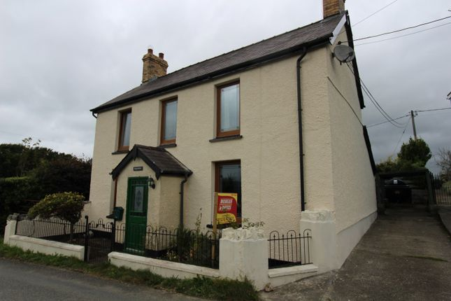 Thumbnail Detached house for sale in Saron, Llandysul