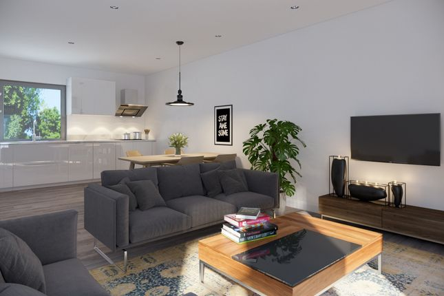 Thumbnail Flat for sale in Railway Rise, London