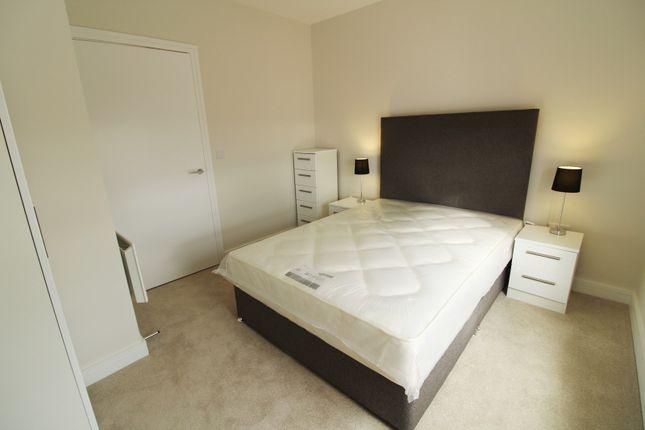 Bedroom 1 of Harlequin House, Padworth Avenue, Reading RG2