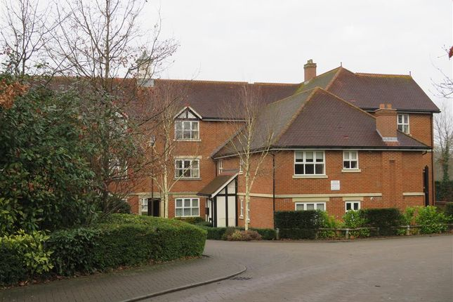 Thumbnail Flat to rent in St. Johns Road, East Grinstead