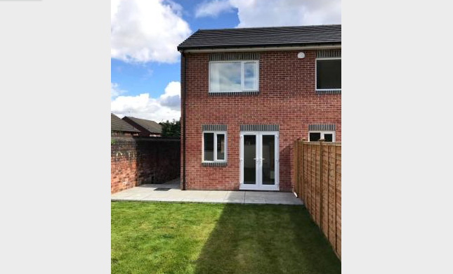 Thumbnail Town house to rent in Sandon View, Leeds