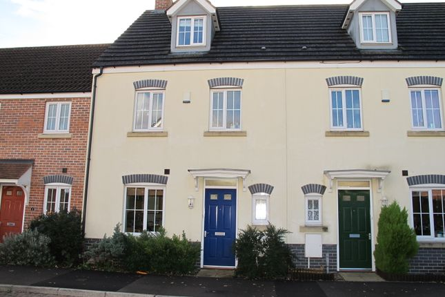 Thumbnail Detached house to rent in Upper Stroud Close, Chineham, Basingstoke