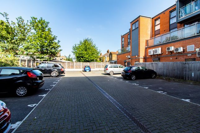 Parking of Southchurch Road, Southend-On-Sea SS1