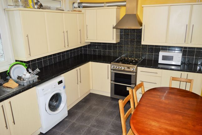 4 bed maisonette to rent in Wapping Lane, Wapping London