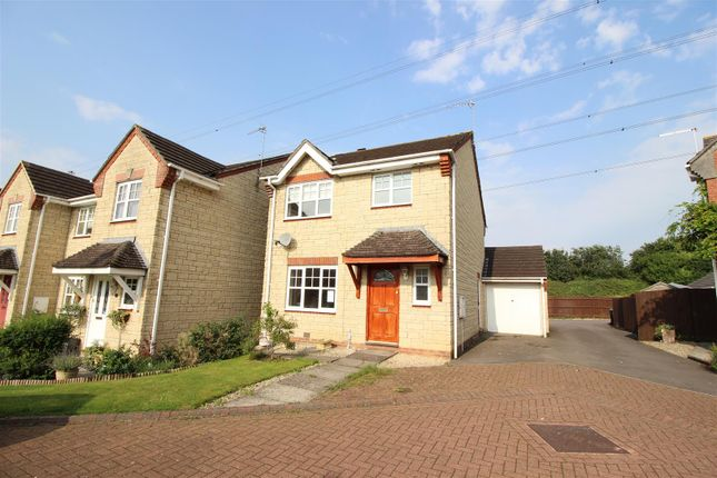 3 bed detached house for sale in Hare's Patch, Chippenham