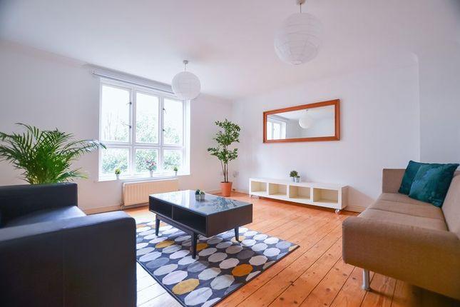 Room to rent in Rusbridge Close, London E8