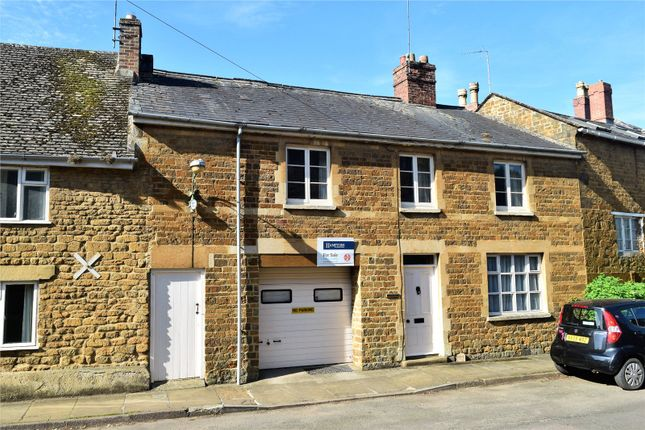 Picture No. 24 of Humber Street, Bloxham, Banbury, Oxfordshire OX15