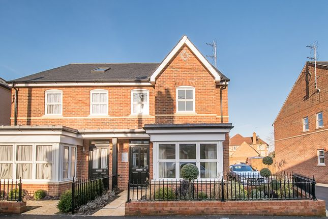 Thumbnail Semi-detached house to rent in Station Road, Marlow