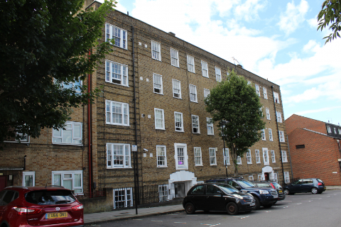 3 bed flat to rent in Maygood Street, London N1