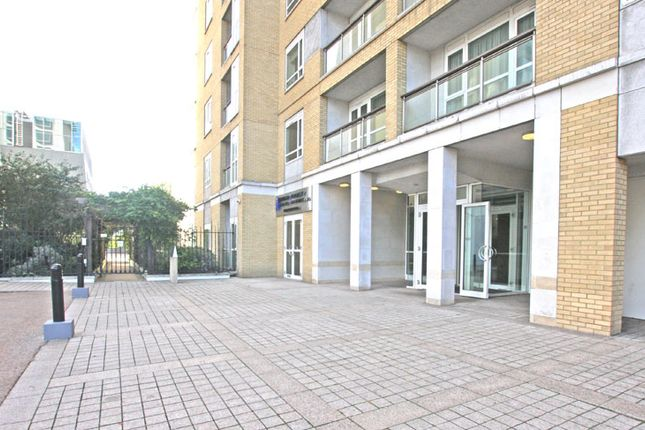 Thumbnail Flat to rent in Eaton House, 38 Westferry Circus