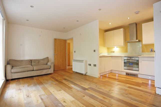1 bed flat to rent in Freshwater Road, Chadwell Heath RM8
