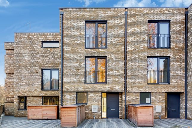 3 bed town house for sale in Helena Close, London SW19