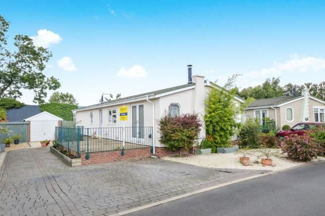 Thumbnail Mobile/park home for sale in Lonsborough Gardens, Langham, Rutland