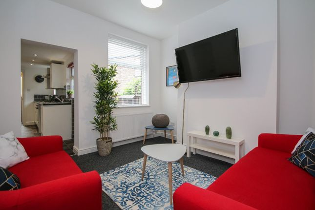 Thumbnail Property to rent in Davenport Avenue, Withington, Manchester
