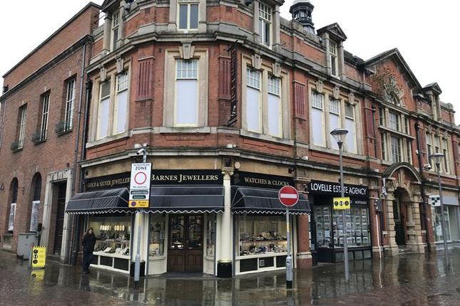 Retail premises to let in Old Town Hall, Lord Street, Gainsborough, Lincolnshire