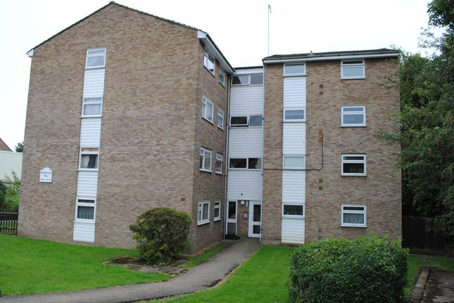 1 bed flat to rent in Holdbrook Way, Harold Wood, Romford