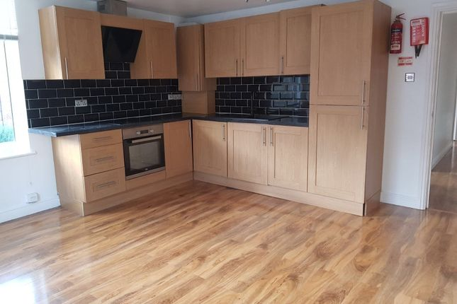 Thumbnail Shared accommodation to rent in Leopold Avenue, West Didsbury, Didsbury, Manchester