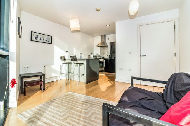 1 bed flat to rent in Islington Wharf, Great Ancoats Street, Manchester M4