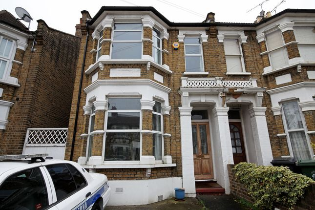 Thumbnail End terrace house for sale in Kings Road, London