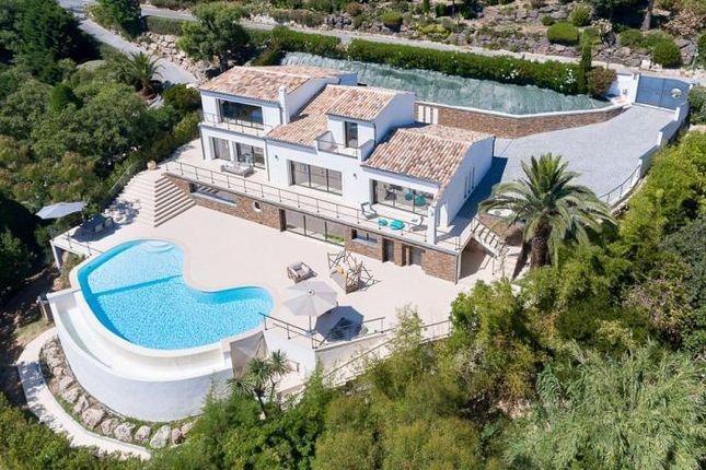 Thumbnail Property for sale in Les Adrets-De-L'estérel, Les Adrets-De-L'esterel, Provence-Alpes-Côte D'azur, France