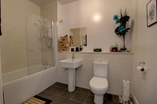 Bathroom of North Road, Liff, Dundee DD2