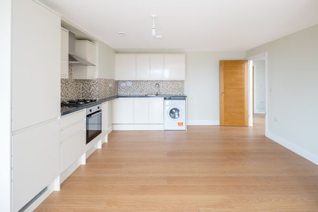 1 bed flat to rent in Cameron Road, Seven Kings, Ilford IG3