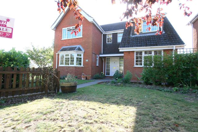 Thumbnail Detached house for sale in Castle Hill Road, Totternhoe, Beds