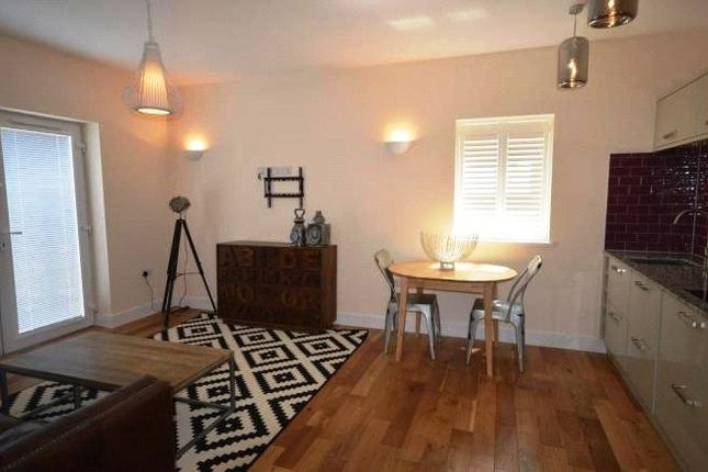 Thumbnail Terraced house to rent in Howard Gardens, Roath, Cardiff