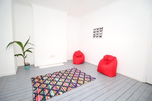 Living Room of Hughenden Road, Hastings, East Sussex TN34
