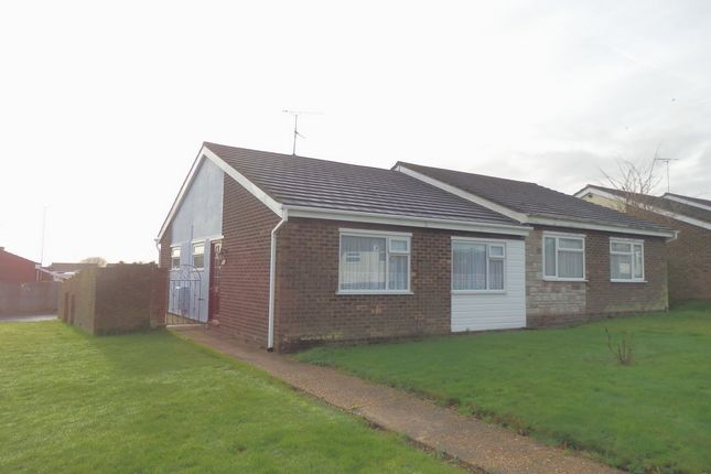 2 bed bungalow to rent in Pelham Close, Dovercourt