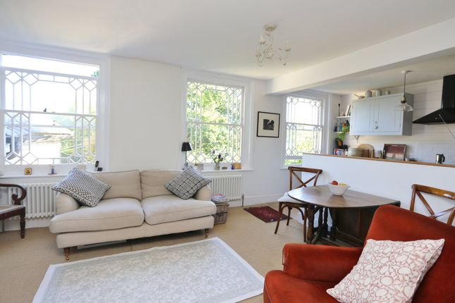 Thumbnail Flat to rent in North Lane, Buriton, Petersfield