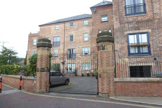 Thumbnail Flat to rent in Tuttle Street, Wrexham