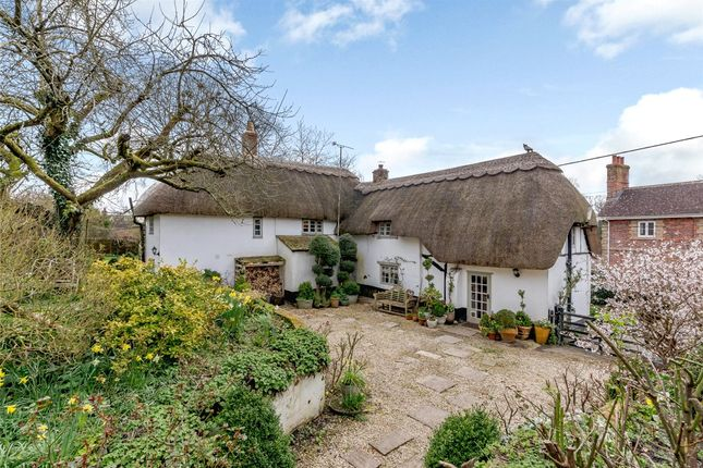 Thumbnail Cottage for sale in Easton Royal, Pewsey, Wiltshire
