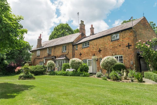 Thumbnail Detached house for sale in London Road, Great Glen, Leicestershire