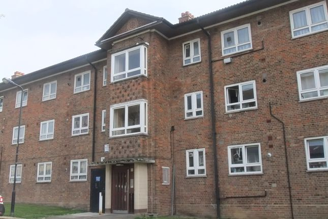 Thumbnail Flat to rent in Holderness Way, West Norwood