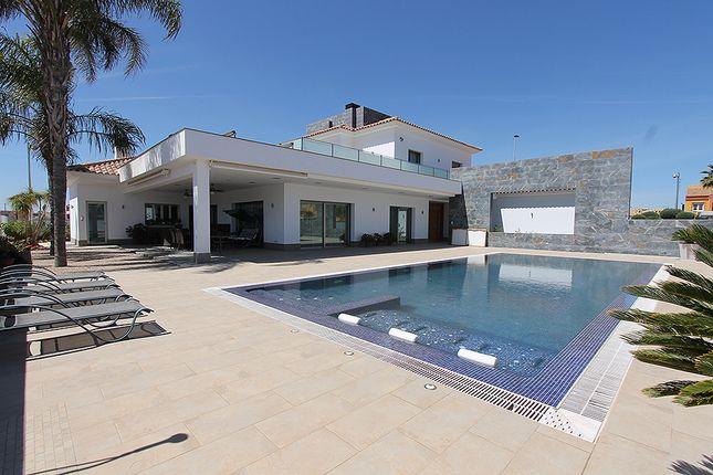 Thumbnail Villa for sale in St. Pedro Del Pinatar, San Pedro Del Pinatar, Murcia, Spain