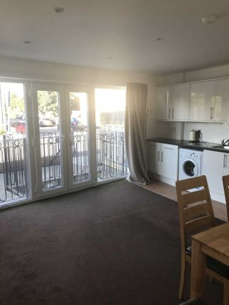 Thumbnail Flat to rent in Robinson Road, Colliers Wood, London
